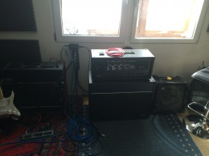 Die Amps zweier Bands, die zur Zeit hier arbeiten